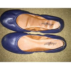 Petite flats Navy Blue, stretchy, good condition Lucky Brand Shoes Flats & Loafers