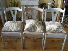 Krzesła trzy kolory - szary