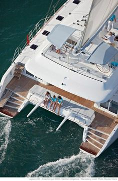 Luxury Lagoon 620 Catamaran - a really ideal charter yacht! Catamaran Design, Sailing Catamaran, Yacht Boat, Yacht Design, Yacht Club, Grand Luxe, Ibiza, Cool Boats, Sail Away