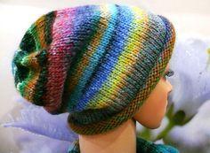Jetzt mit der gratis Anleitung eine tolle Mütze mit Rollrand und Farbverlauf stricken. Das wird Deine neue Lieblingsmütze. Probiers gleich mal aus.