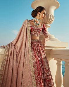 Take your destination wedding wardrobe up a notch with Faraz Manan's dreamy bridal collection. Take your destination wedding wardrobe up a notch with Faraz Manan's dreamy bridal collection. Indian Bridal Outfits, Indian Bridal Fashion, Pakistani Bridal Dresses, Indian Designer Outfits, Indian Dresses, Pakistani Makeup Looks, Mehndi Outfit, Pakistani Couture, Saree Dress