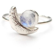 Amelia May Silver Crescent Moon And Moonstone Ring (46 CAD) ❤ liked on Polyvore featuring jewelry, rings, silver moonstone ring, silver jewellery, moonstone ring, silver jewelry and silver rings