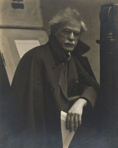 Alfred Stieglitz, New York, 1919    http://www.flickriver.com/photos/photo-tractatus/sets/72157626569342547/