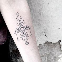 Nejhezčí motivy tetování nejen na ruku od mladé australské tatérky Caitlin Thomas | Tetování | WORN magazine