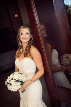 Love this bride's hair and jewelry