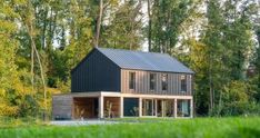 Building A Shed 312437292897551853 - Anonyme – MOOD Architecture sprl Source by mathieuheliot Barn House Conversion, Shed House Plans, Diy Cabin, Small Modern Home, Pole Barn Homes, Colorado Homes, Shed Homes, Building A Shed, Big Houses