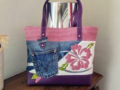 """Sac format cabas ou"""" Tote bag"""" En jean Bleu, simili rose , violet , blanc et vert Sac  sûr thème Floral ,d un format de 40x 35 environ. Doublure en coton imprimé à motifs da - 20617409"""