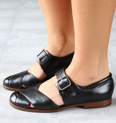 YEMA BLACK :: SHOES :: CHIE MIHARA SHOP ONLINE