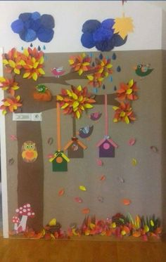Autumn ideas for nursery bulletin board fall preschool flower Diy And Crafts, Crafts For Kids, Arts And Crafts, Paper Crafts, Autumn Crafts, Autumn Art, Autumn Ideas, Fall Preschool, School Decorations