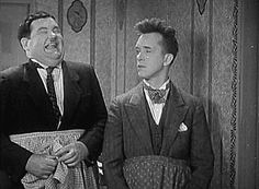 It's Friday so that means Laurel & Hardy time!!! Movie Poster / Movie Images Comedy Greats!!! / Comedy Genuis / Friday Feeling Stan Laurel and Oliver Hardy For more from the movies head over to: http://www.popcorncinemashow.com/