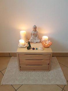 Classy meditation room design Request My Free quote today Meditation Raumdekor, Meditation Room Decor, Simple Meditation, Yoga Room Decor, Meditations Altar, Deco Zen, Zen Space, New Room, Bedroom Decor