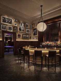 The Clocktower (New York Edition Hotel) Ian Schrager Company Design Studio & Rockwell Group - Restaurant & Bar Design Interior Design Magazine, Hotel Ny, Hotel 1000, New York Edition Hotel, Design Bar Restaurant, Restaurant Chairs, Café Bar, Modern Bar, Nyc Restaurants