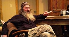 duck-dynasty-star-stands-up-