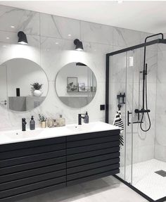 Banheiro preto e branco: 50 dicas e inspirações Bathroom Goals, Dream Bathrooms, Master Bathrooms, Small Bathrooms, Dream Rooms, Beautiful Bathrooms, Farmhouse Bathrooms, Modern Bathrooms, Modern Farmhouse