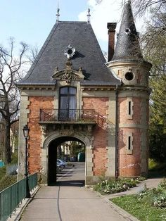 French Chateau Gate House with turret. Classic Architecture, Beautiful Architecture, Beautiful Buildings, Architecture Details, Beautiful Places, Haute Marne, Small Castles, Tower House, Gate House