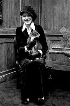 Marianne Faithful and cat