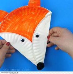 Easy Fox Crafts for Kids – Red Ted Art Easy Fox Crafts for Kids. Love all things Fox? DIY Fox Ideas for Preschool, Kids and Adults. From Paper Fox Crafts to Crochet Fox Patterns. Toddler Art, Toddler Crafts, Kids Crafts, Easy Crafts, Paper Plate Art, Paper Plate Crafts For Kids, Fox Crafts, Animal Crafts, Dinosaur Crafts