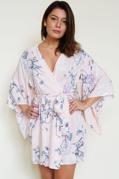 This will be the perfect floral robe for your bridal party ! Bridal Party  Robes 08f79dea6