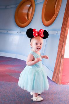 What age should I bring my kid to Disneyland? -- Ava's first trip to Disney!