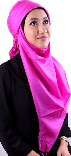 Earth Heir Silk Plain Scarf in Pink, Brand: EARTH HEIR Product Code: EH10153SCSKPK03 Availability: In Stock Order through Whatsapp/SMS: 019-292-5245 Expected delivery time (2-3 working days)   RM221