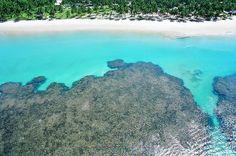 2. Península de Maraú Interior da Bahia, a Península reúne algumas das praias mais lindas da região, com águas cristalinas ideais para a prática de mergulho. São 40 praias praticamente desertas entre Morro de São Paulo e Itacaré, como Taipus de Fora.
