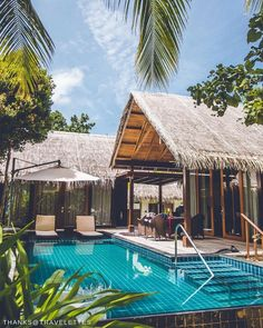 """There's no such word as """"urgent"""" here. @shangrilamaldives : @travelettes."""