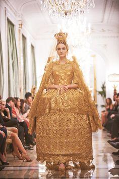 Golden queen!