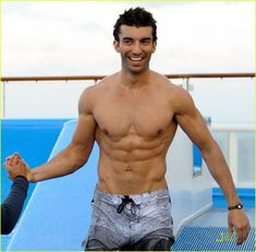 justin baldoni washboard abs for short film 04 - Burn Fat and Build Six Pack Abs with this Routine http://rippedtips.com/burn-fat-and-build-six-pack-abs-with-this-routine/