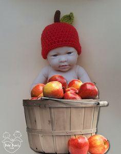 Touca em crochê MAÇÃ BABY (unissex) Bebês Bonitos cb9ff0581ec
