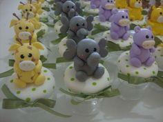Lembrancinha Safari    Potinhos para lembrancinha de aniversario ou nascimento,lindos bichinhos!  Todas as lembrancinhas vão com tag e fita de cetim.