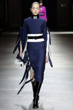 http://www.vogue.com/fashion-shows/fall-2017-ready-to-wear/kenzo/slideshow/collection