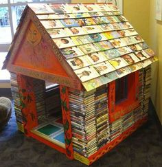 Dishfunctional Designs: Bookish: Upcycled & Repurposed Books and Pages. Play house in a Children's library. Buch Design, Library Design, Bookstore Design, Design Desk, Library Displays, Old Books, Children's Books, Audio Books, Library Books