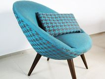 Check out our sofas & loveseats selection for the very best in unique or custom, handmade pieces from our shops. Tub Chair, Diy Design, Sofas, Mid-century Modern, Love Seat, Accent Chairs, Furniture Design, Mid Century, Vintage