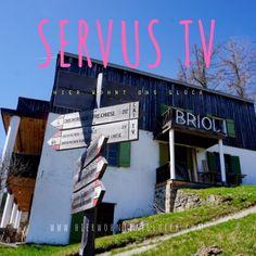 """Das Format """"Heimatleuchten"""" setzt auf ein neues Heimatgefühl – Altes trifft auf Neues, Tradition auf Innovation und Brauchtum auf Moderne. Und das wird umrahmt von wunderschönen Aufnahmen, spektakulären Bildern und berührenden Lebensgeschichten.  #suedtirol #servustv #briol #urlaub #wandern #hierwohntdasglueck #tradition #ausflug #carinthia #kärnten Servus Tv, Hotels, Roadtrip, Dom, Innovation, Broadway Shows, Europe Travel Tips, Hiking, Travel"""