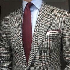 http://www.rincondecaballeros.com/forum.php http://www.rincondecaballeros.com/blog/  #blazer #lopezaragon #shirt#massimodutti #personaltailoring #tie#egcappelli #pocketsquare#exquisitetrimmings #lookoftheday #look#worklook #businessman #menwithclass#dapper #dappermen #gent #gentleman#gentlemanstyle #style #styleformen#styleforum #mtm #madetomeasure#rincondecaballeros