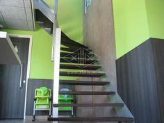 bovenkwart trap, gegalvaniseerd staal met wenge treden