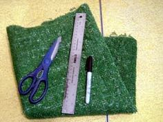 DIY Astroturf place mats. Add pink plastic flowers to look like inspiration mats