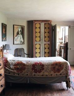 focus-damnit: Interior of Charleston, painted by the Bloomsbury group members Vanessa Bell and Duncan Grant from our 2010 feature on artist Cressida Bell. Read it here: www.houseandgarde…