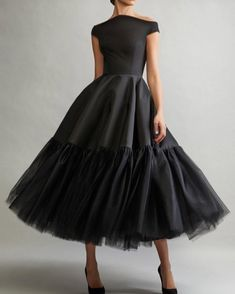 Elegant Off Shoulder Short Sleeves Tea-Length Solid Pleated Evening Dress - Prom Dresses Design Black Party Dresses, Trendy Dresses, Elegant Dresses, Sexy Dresses, Fashion Dresses, Little Black Dresses, Ladies Dresses, Black Women Fashion, Look Fashion