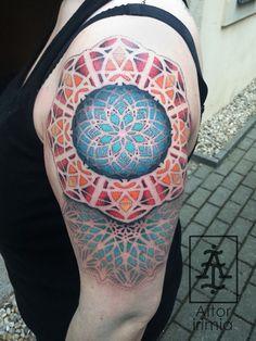 Mandalas puntillismo a color  http://instagram.com/aitoririmia http://aitoririmia.com #tatuajes #puntillismo #dotwork #tattoos #tattoo #mandala #mandalas #Madrid
