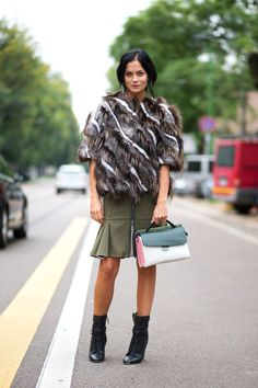 Ciao Bellas! Milan Street Style skirt and the bag!!!!