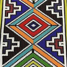 . Textile Patterns, Beading Patterns, Nice Art, Cool Art, African Textiles, Tapestry Crochet, Safari Animals, C2c, Printing On Fabric