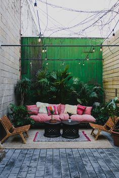 How often do you decorate your patio? Moving towards winter, its easy to ignore your patio. In fact, when it comes to decorating, its easy to neglect the outdoors; even though patios, porches and verandas take a regular beating from the elements.