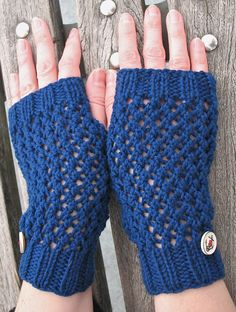 Free Knitting Pattern for Easy Mesh Handwarmers -These fingerless mitts are knit flat in a 4-row repeat openwork mesh pattern with ribbed cuffs and top. Designed by creativeyarn. Pictured project by BobbinBombshell