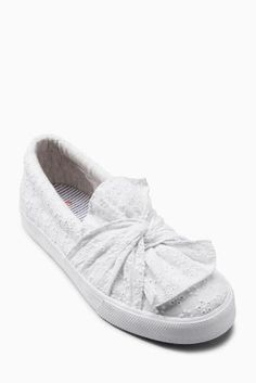 When your kids got cooler kicks than you... Athleisure done RIGHT with these bow skaters!