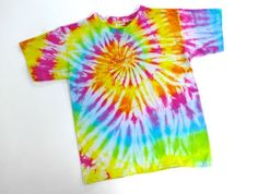 Le tee-shirt spirale en tie and dye | Teindre les tissus