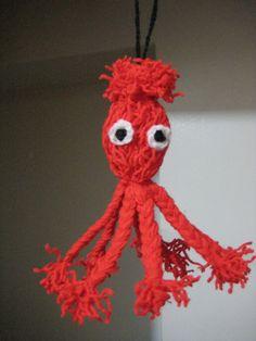 červená chobotnička z vlny