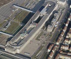 Fiat Lingotto factory, Turin, Italy Killer roof top testing track at the factory.