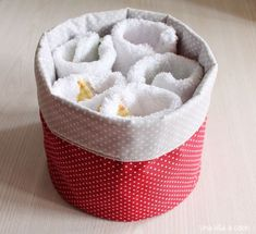 With this tutorial you will learn to sew perfect cloth baskets to organize your home, … Baby Crafts To Make, Baby Clothes Sizes, Clothes Basket, Vide Poche, Baby Boy Birthday, Learn To Sew, Plastic Laundry Basket, Dyi, Sewing Crafts