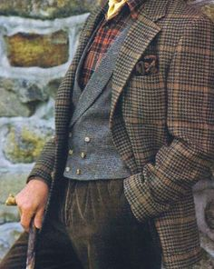 Tweed is of course in very good taste. Plaid Outfits, Girly Outfits, Sharp Dressed Man, Well Dressed Men, Moda Formal, Tweed Run, Mode Vintage, Gentleman Style, British Style
